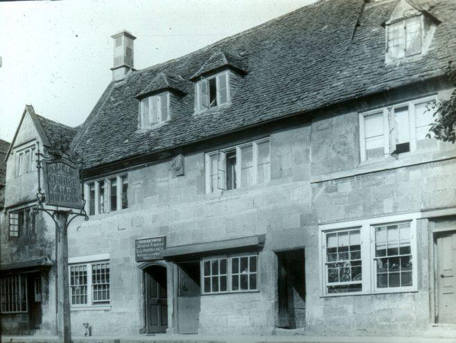 The George & Dragon pub and Inn sign