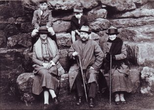Scudamore Griffiths with wife Rubie (left), sister Josie (right) and sons
