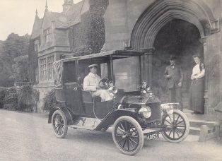 20 hp Ford, owned by Maj. Edward Walsh, outside Campden House.
