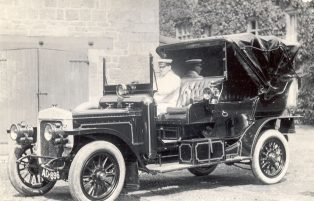 Daimler registered to Edward Groves Paley, JP, of Cotswold House, Chipping Campden. 1907