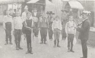 Campden boys' Morris, said to have been formed by Dennis Hathaway for Cecil Sharp's visit