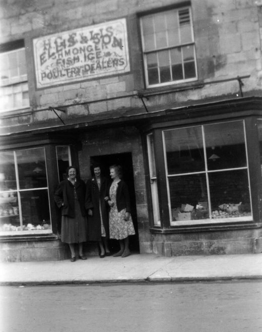 One hundred years ago this shop was run by Martha Ellis,who sold fish and vegetables.