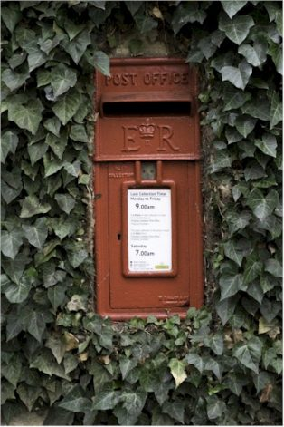 Leasbourne postbox | Wendy Chapman